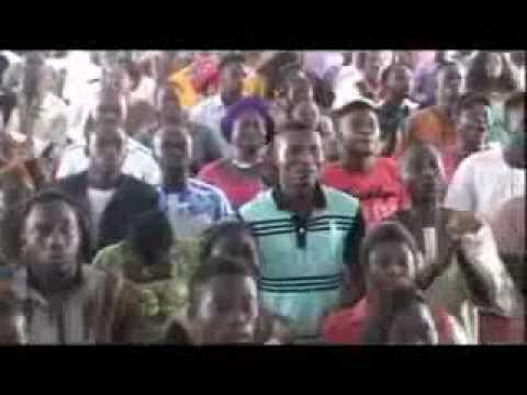 Evang Jerry Ekpekuro - Performing @ winners ughelli 2 - YouTube.3GP