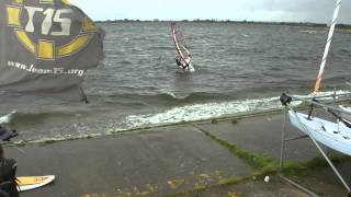 preview picture of video 'Windsurfing at Datchet 08/06/2012 #3'