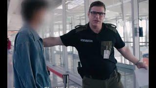 Oprócz kartki z prośbą o azyl pasażer nie miał przy sobie żadnych dokumentów [Lotnisko]