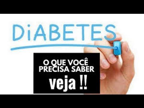 Manchas vermelhas na mão do diabético