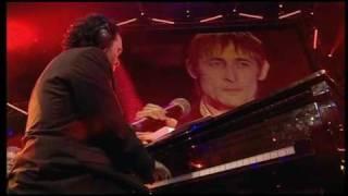 Belfast 2004 - 4 Divine Comedy.mpg