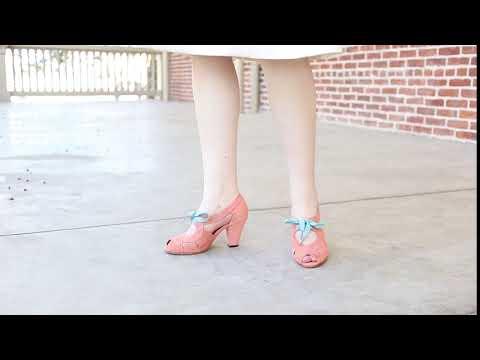 Cora 1940s Sandals (Coral)