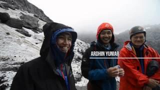 Pendakian Carstensz Pyramid Tim NduguNdugu PTFI & Mahitala UNPAR