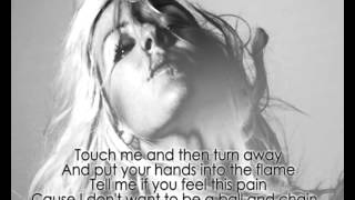Ellie Goulding - Hanging on [Without Tinie Tempah][Lyrics]