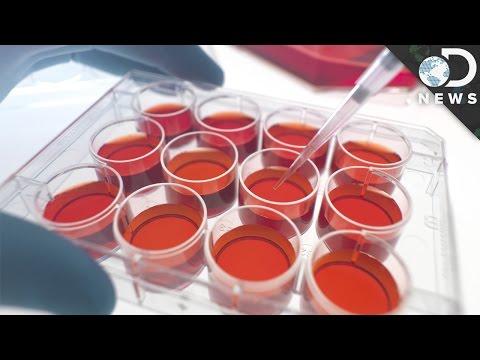 Tila tulad ng isang dibdib na may implants 3 na sukat