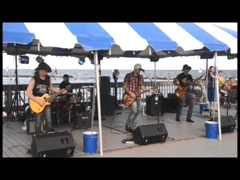 Sam Grow covers 'Get Your Shine On' at North Beach Boardwalk