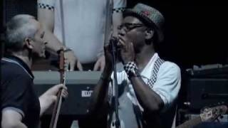 The Specials - Gangsters / A Message To You Rudy (Summer Sonic '09)