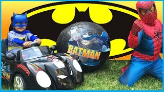 GIANT SURPRISE EGG OPENING BATMAN vs SPIDERMAN Super Heroes Toys Imaginext Power Wheels Kids Video