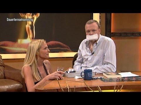 Die Damenbinde für den Mann! - TV total
