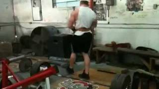 Travis Cadenhead finishing back workout with deads