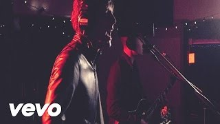Miles Kane - Don't Forget Who You Are (Live at Sarm Studios)