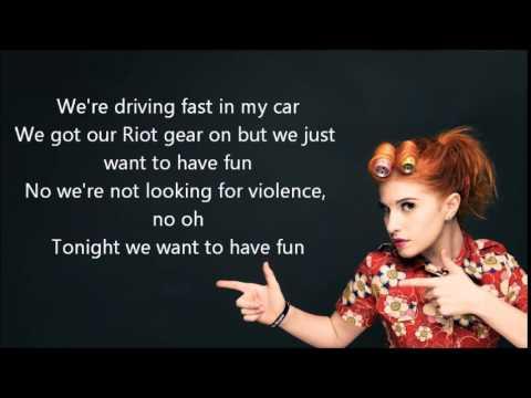 Paramore   Fast in my car Lyrics