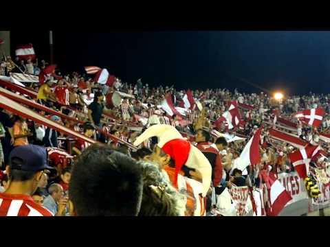 """""""clasico platense de verano 2014!!! entretiempo y 1 a 0 abajo..."""" Barra: Los Leales • Club: Estudiantes de La Plata"""
