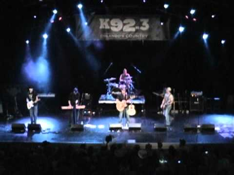 Jill's Cashbox - Cover of My Kinda Party, K92 All Star Acoustic Jam