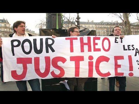 Ένταση στη διαδήλωση κατά της αστυνομικής βίας στο Παρίσι