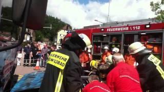 preview picture of video 'Einsatzübung VU Tag der Feuerwehren in Altensteig (Teil 3)'