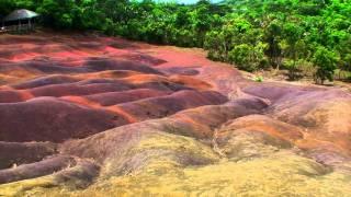 preview picture of video 'Chamarel la terre aux 7 couleurs (Île Maurice)'