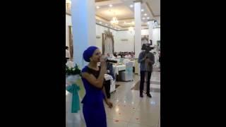 Русская девушка на казахской свадьбе