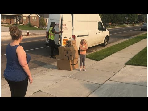 Sneaky Little Girl Gets Busted Ordering Herself $350 Worth Of Toys On Mom's Amazon.