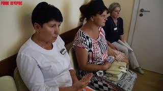 Оксана Коток із Сарн прийшла до Вікторії Єнікеєвої вияснити, чому її дитина померла в стінах перинат