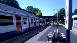 preview picture of video 'District Line D78 No. 7530/7015 Departing From Gunnersbury Station on 23/07/12'
