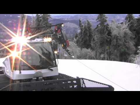 Prinoth snow grooming machine using LeBus grooving