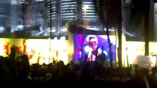 Hoobastank - OH! The Pressure (New Song live 08APR11 Twin Towers Alive [KLCC, Malaysia])