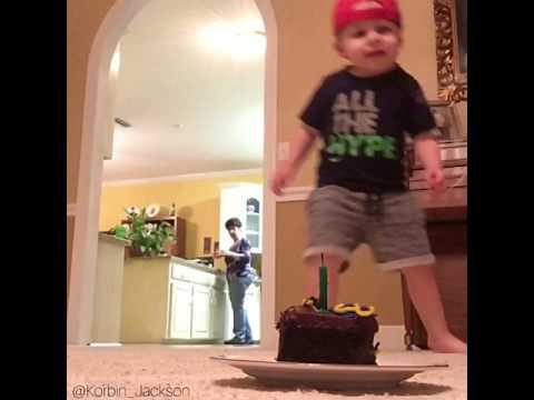 Двухлетний футболист взорвал Сеть своими трюками с мячом