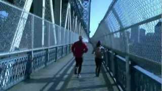 Run through all bridges of Manhattan. Забег через все мосты Манхеттена.