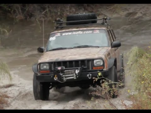 Lifted Jeep Cherokee 'XJ' - (Off-Road) One Take at the FIRM