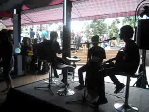 The Last Looking For Janganlah PergiLive Acoustic@BIPmpge