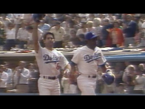 1981 NLDS Gm3: Garvey launches a two-run homer