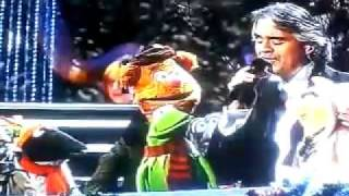 Andrea Bocelli with Muppet in Jingle Bells in my cristmas david foster