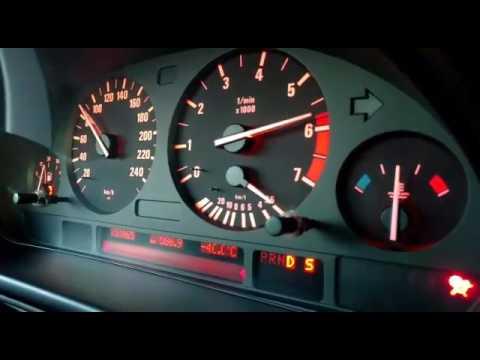 Der Aufwand des Benzins infiniti fx35 2004