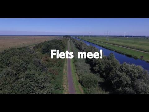 Actievoerende opa's en oma's fietsen door Swifterbant