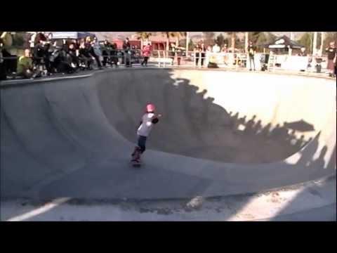 Women Skate-it-Up! Skull Bowl contest HEAT #1 of 3 2012