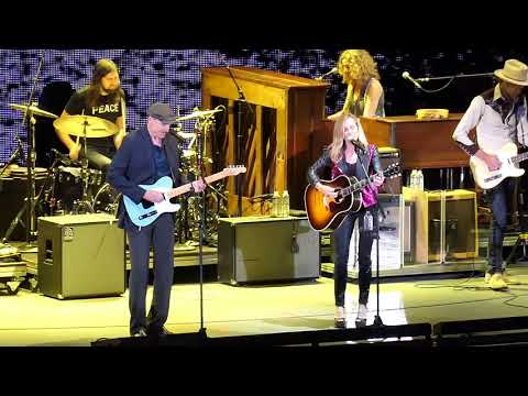 """SHERYL CROW & JAMES TAYLOR : """"Everyday is A Winding Road"""" : Hollywood Bowl  (May 31, 2018)"""
