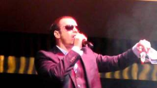 """Donnie Wahlberg """"I Got It"""" LIVE"""
