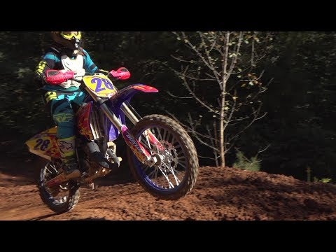 This dirt bike will hit every jump and more, let's go see at the track!