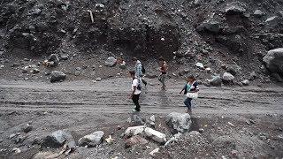Una familia habita zona cero del Volcán de Fuego | Prensa Libre