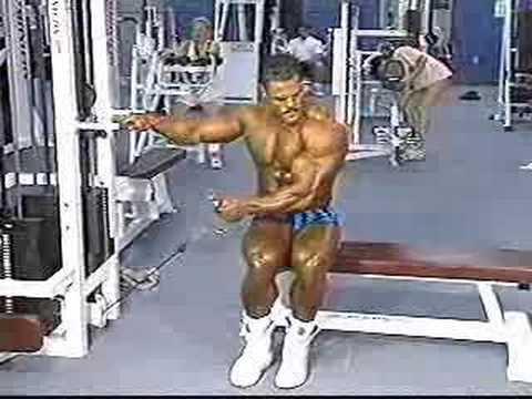 Comme étendre vite les muscles sur les pieds