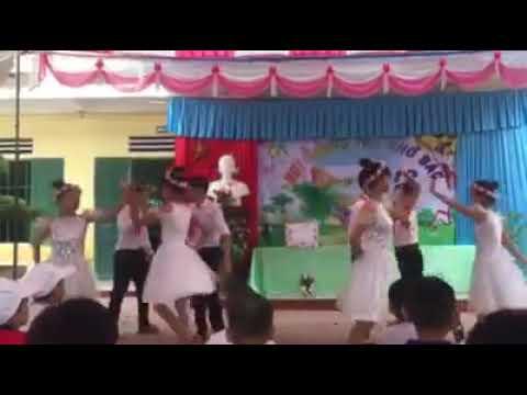 Vui Tết trung thu trường Trẻ em khuyết tật huyện Giao Thủy