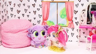 Fuzzy Nerlie Babies ! Toys and Dolls Fun with New Frosties Arriving at the Nursery - Baby Doll Play