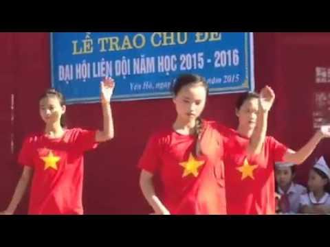Văn nghệ lớp 9D chào mừng ĐH Liên đội năm: 2015 - 2016