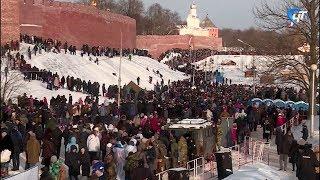 Уличные мероприятия, приуроченные к годовщине освобождения Новгорода, посетили 20 тысяч человек