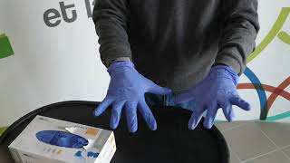 Enlever des gants en toute sécurité