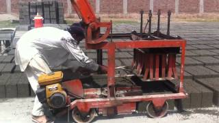 preview picture of video 'Concrete block making machine chiniot'