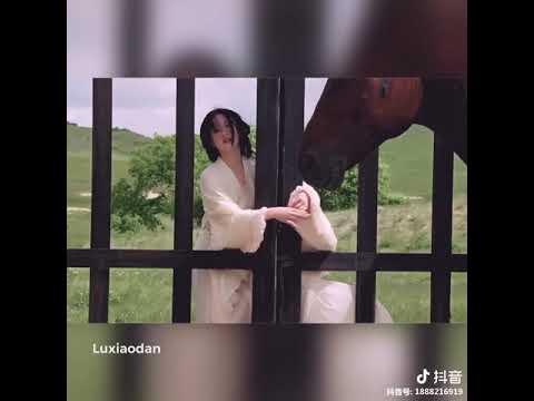 [抖音tiktok]中國女明星《周迅》年輕時侯的樣子 你們見過嗎?渾身散發著靈氣…