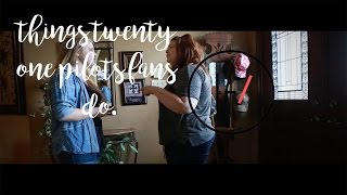 things twenty one pilots fans do. || episode one || TheGracefullyAwkward