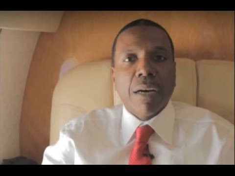 Televangelist Creflo Dollar Asking for $65 Million in Donations for New Private Jet